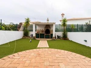 Terraced House for sale in Faro sma11250